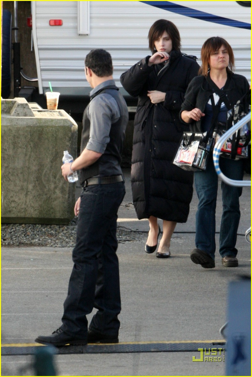 new moon cast on set 06