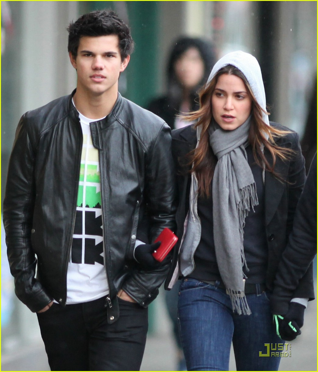taylor lautner dirt bike 19