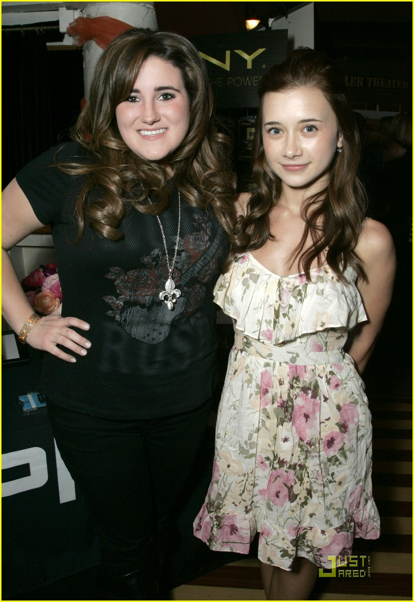 kaycee stroh olesya rulin kca gift lounge 01