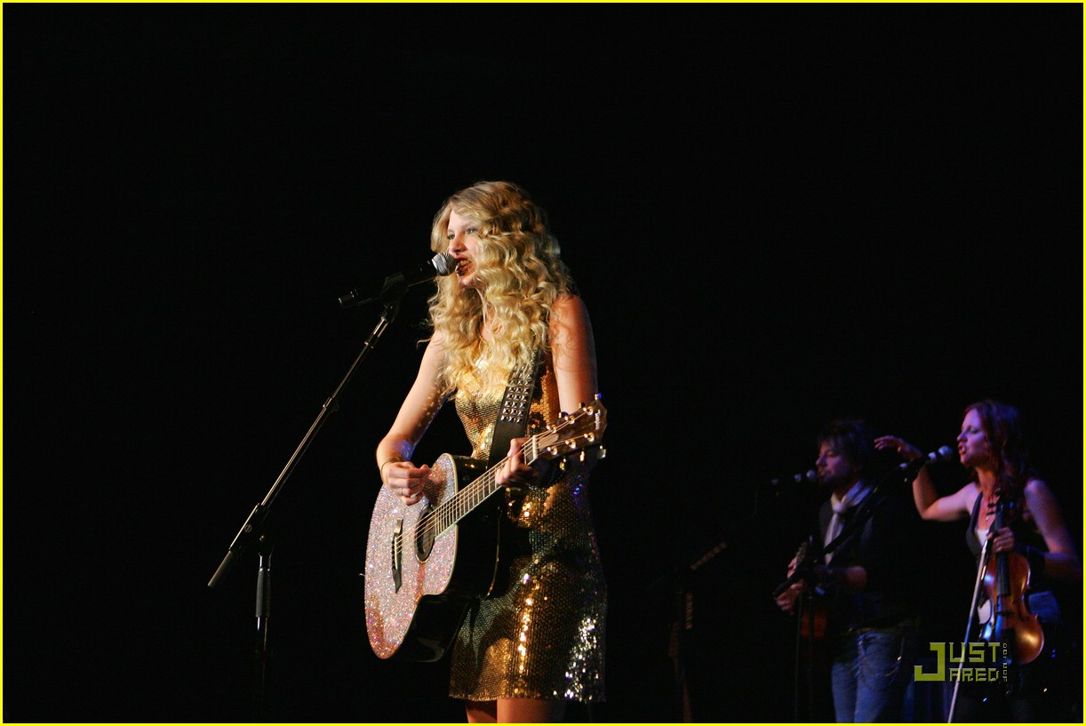 taylor swift sydney factory theatre 26