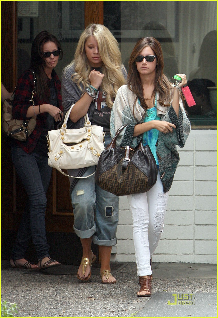 ashley tisdale samantha droke patys 09