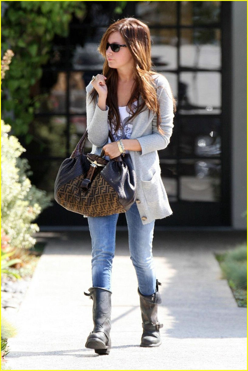 ashley tisdale salon sweet 06