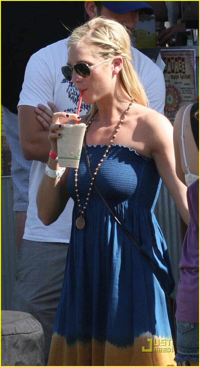 brittany snow coachella music 22