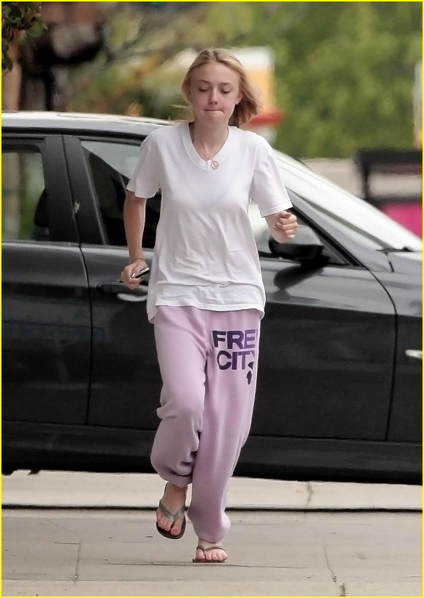 dakota fanning blackberry beauty 10