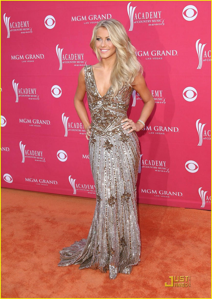 julianne hough acm winner 17