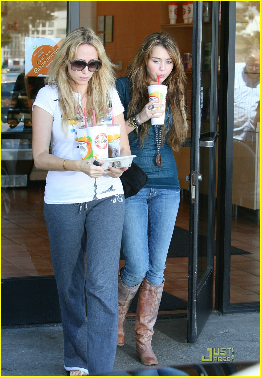 miley cyrus robeks juice 09