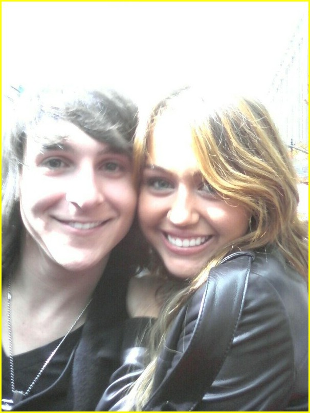 mitchel musso shawn johnson hm premiere 17