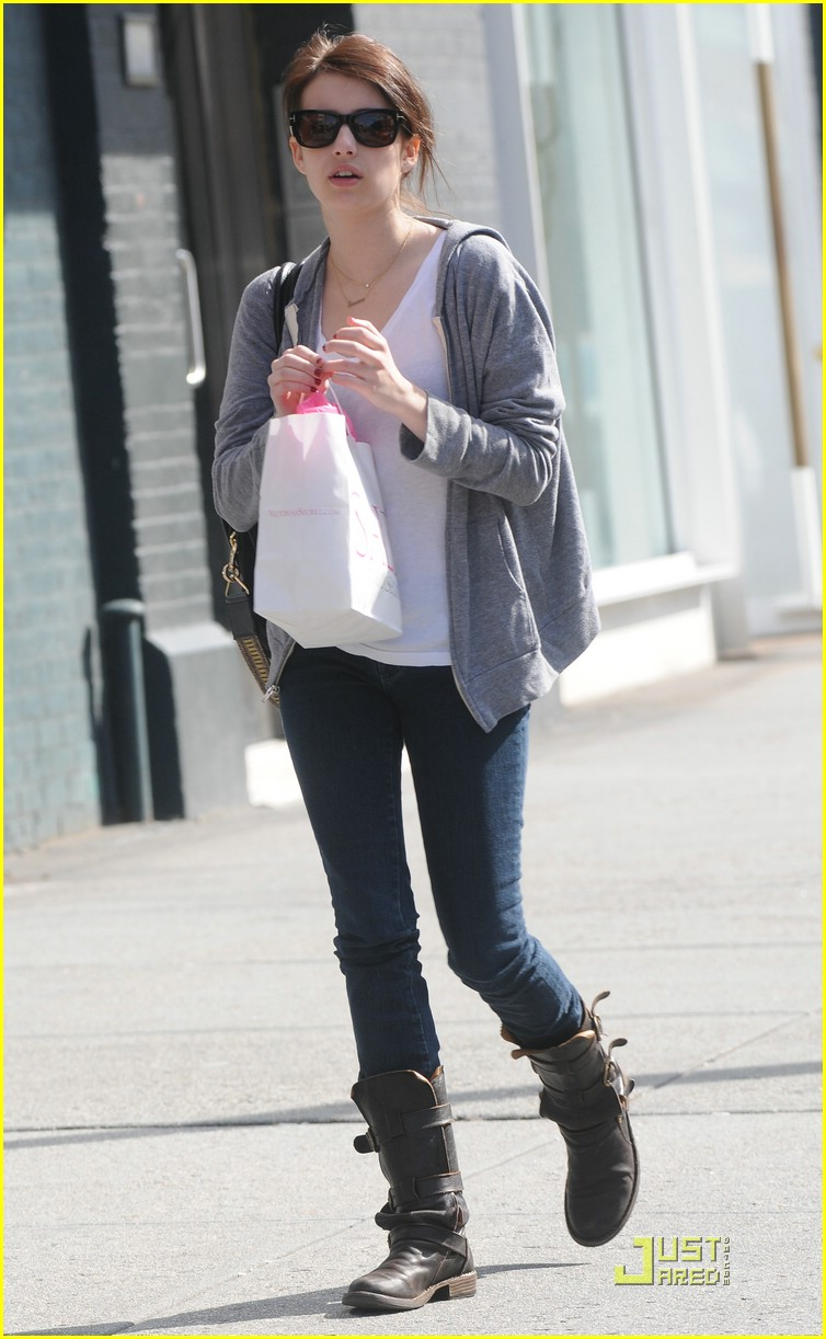 emma roberts soho shopper 02