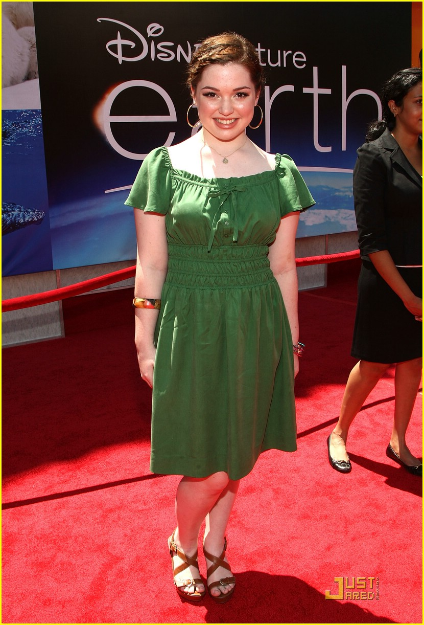 jennifer stone earth premiere 01