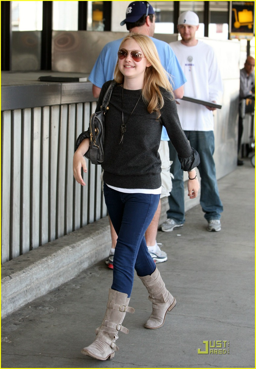 dakota fanning grey girl 10