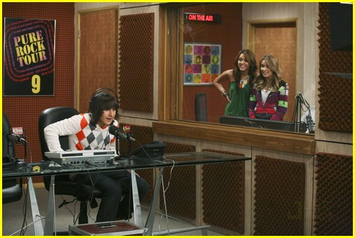 miley cyrus mitchel musso radio 01