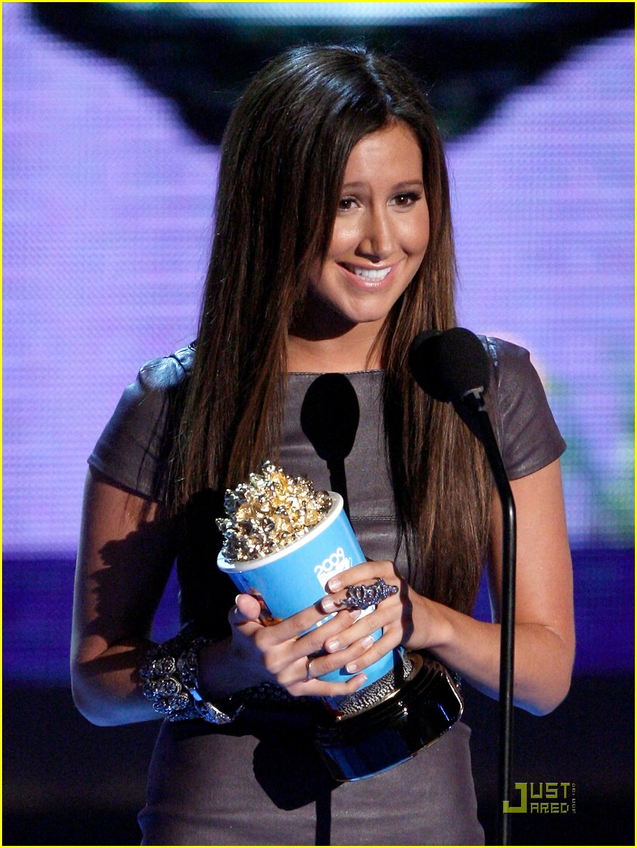ashley tisdale mtv movie awards 23