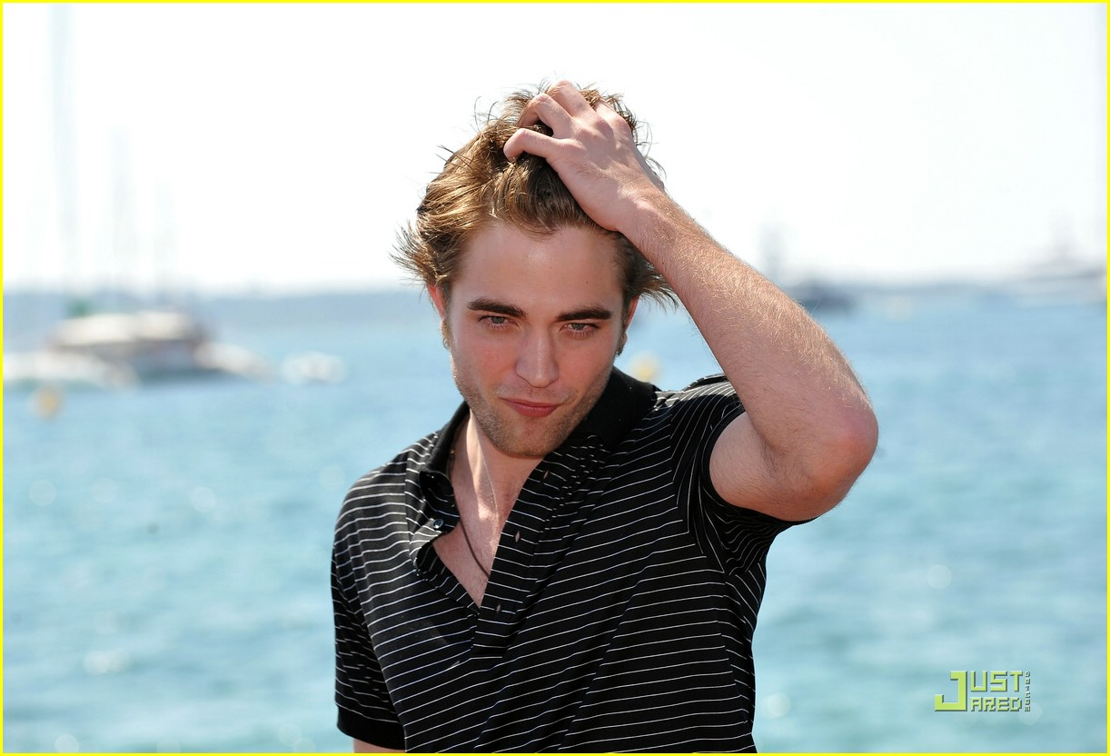 robert pattinson cannes cute 01