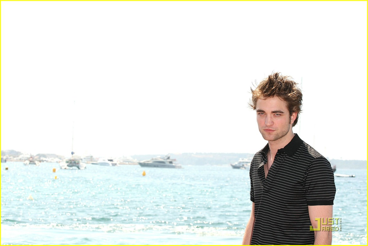 robert pattinson cannes cute 19