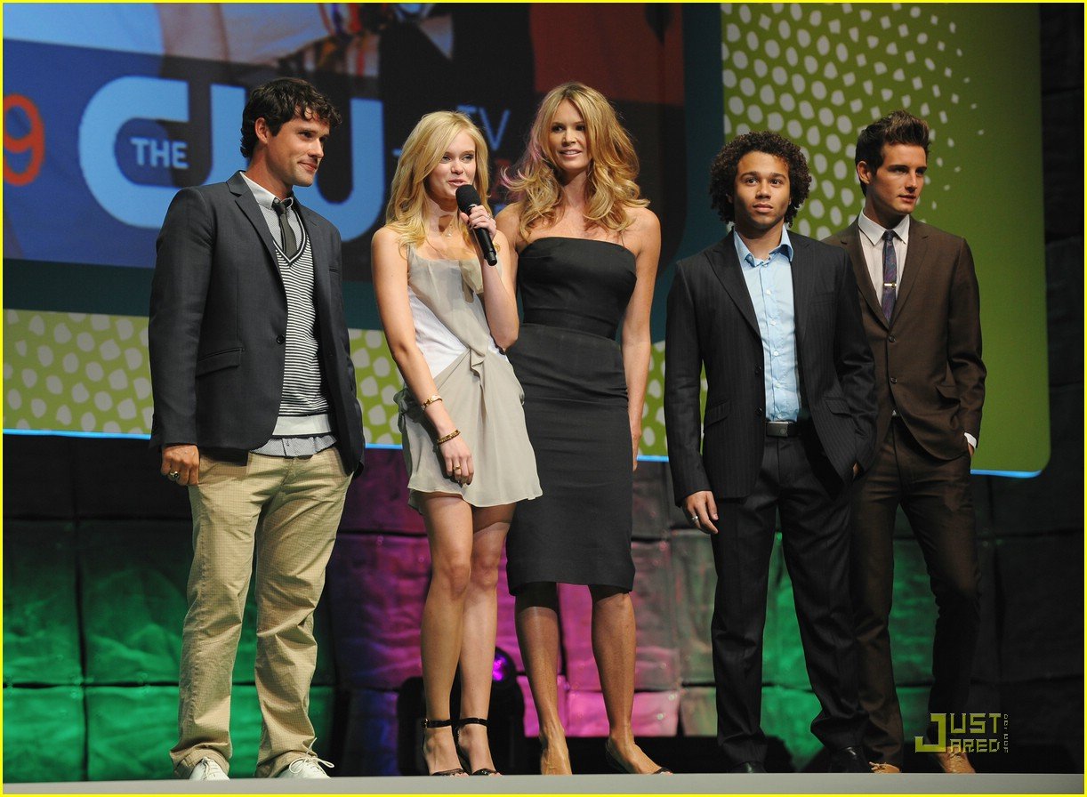 sara paxton cw upfront 02
