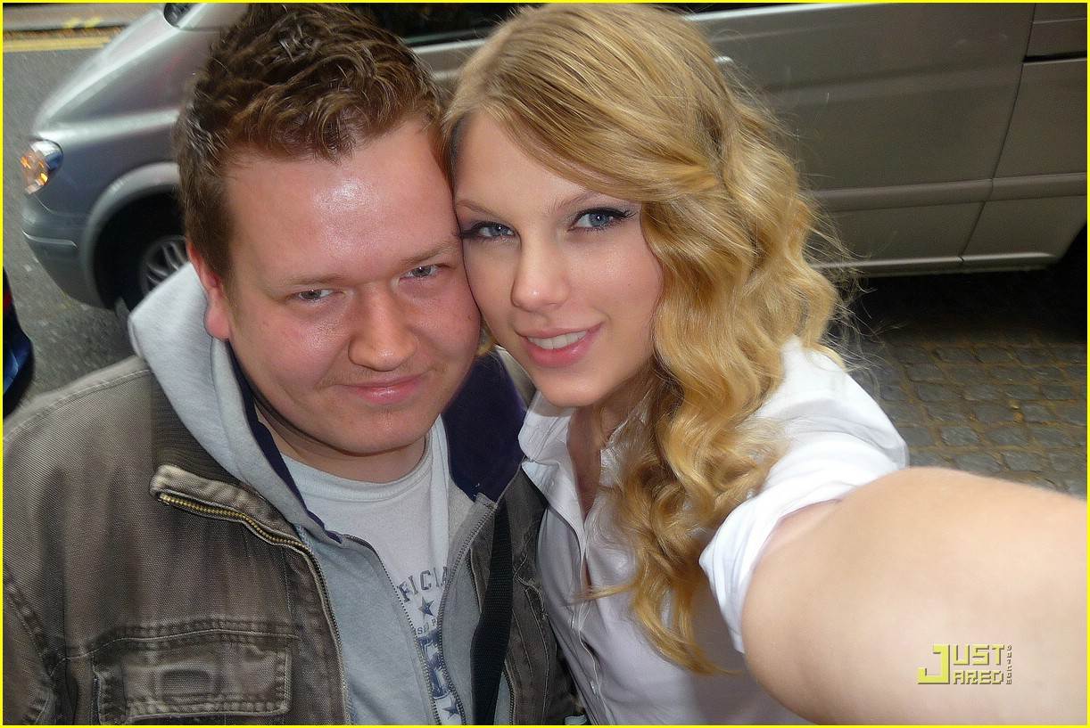 taylor swift lucky number 05