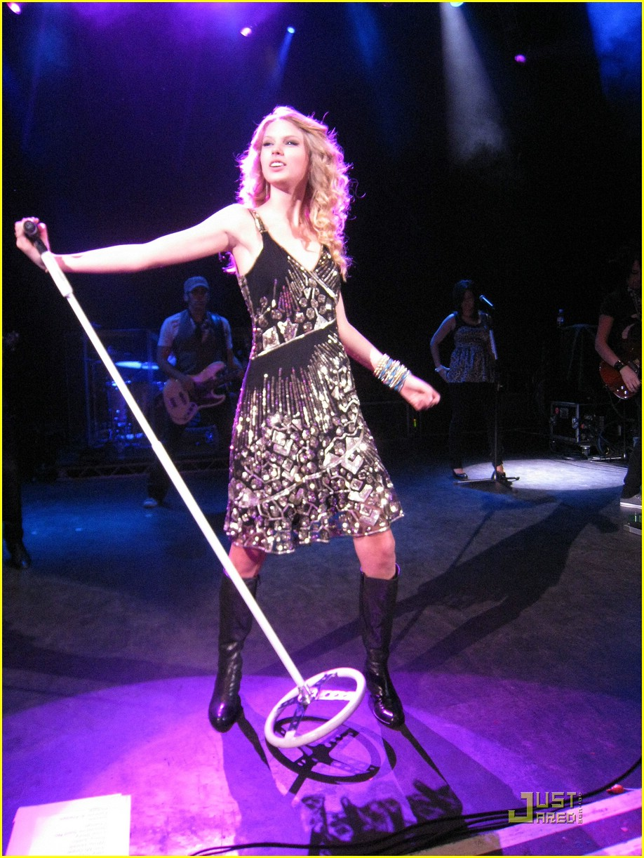 taylor swift shepherds bush 10