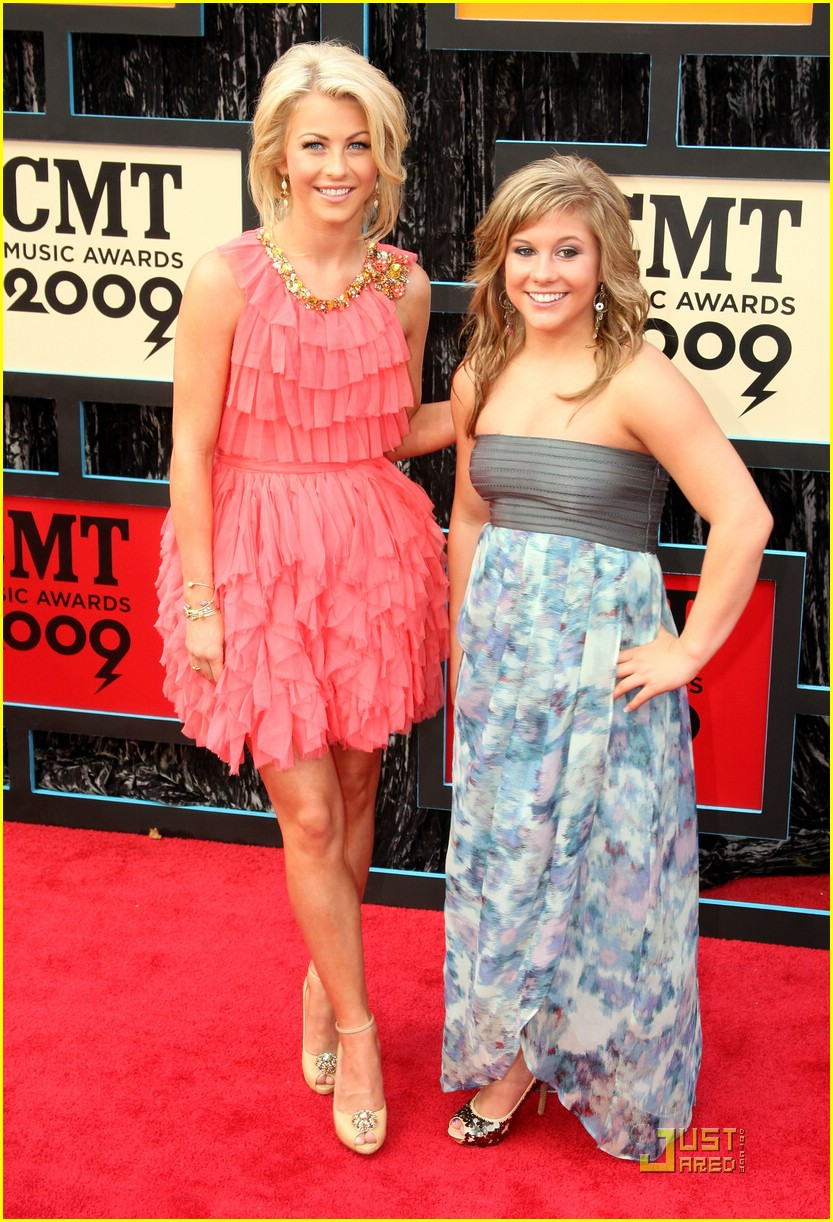 julianne hough cmt music awards 10