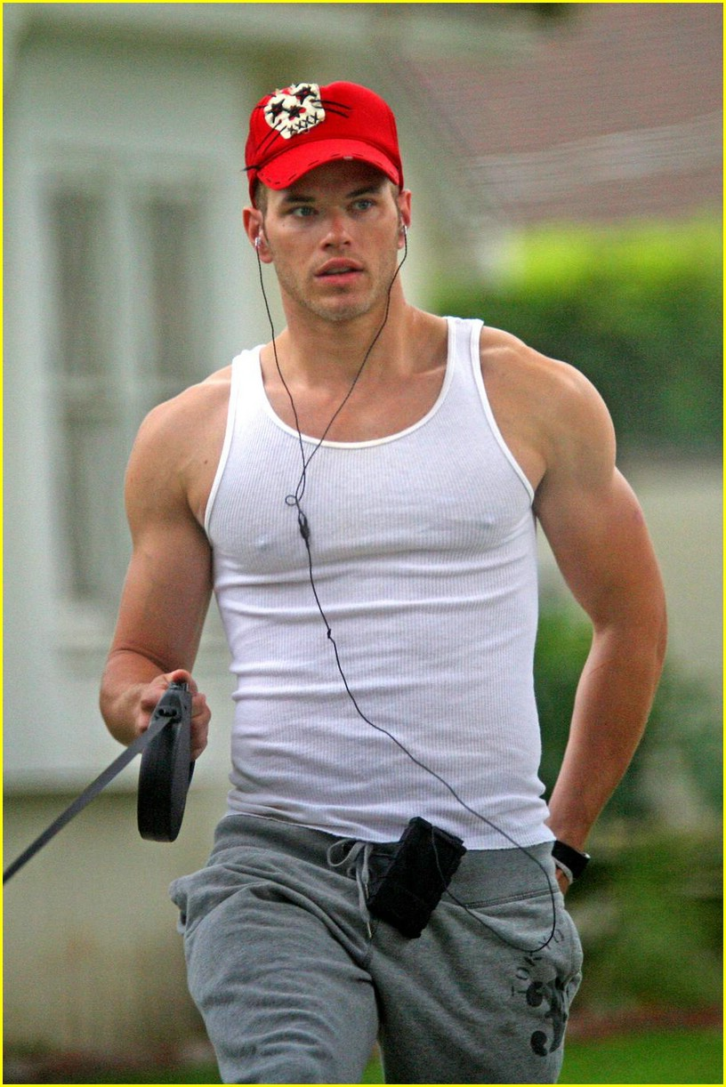 kellan lutz gray guy 03
