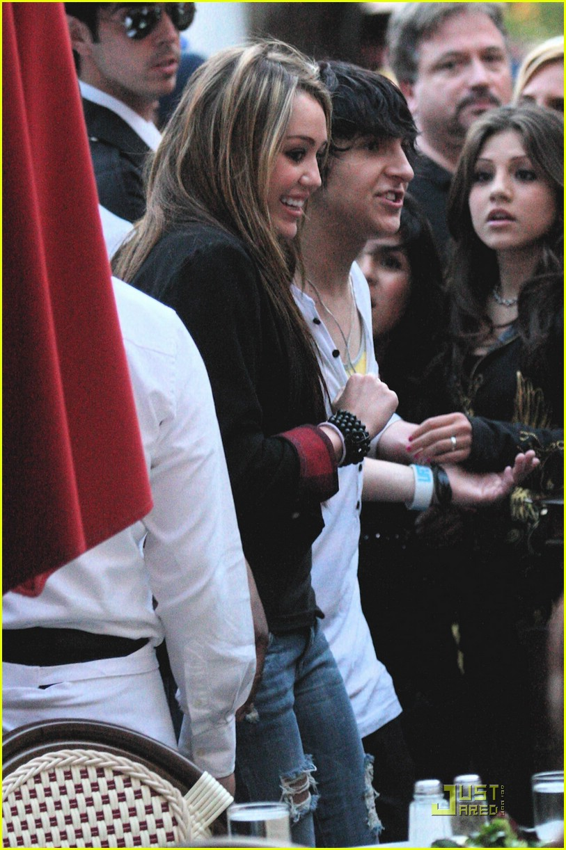 miley cyrus mitchel musso the grove 03