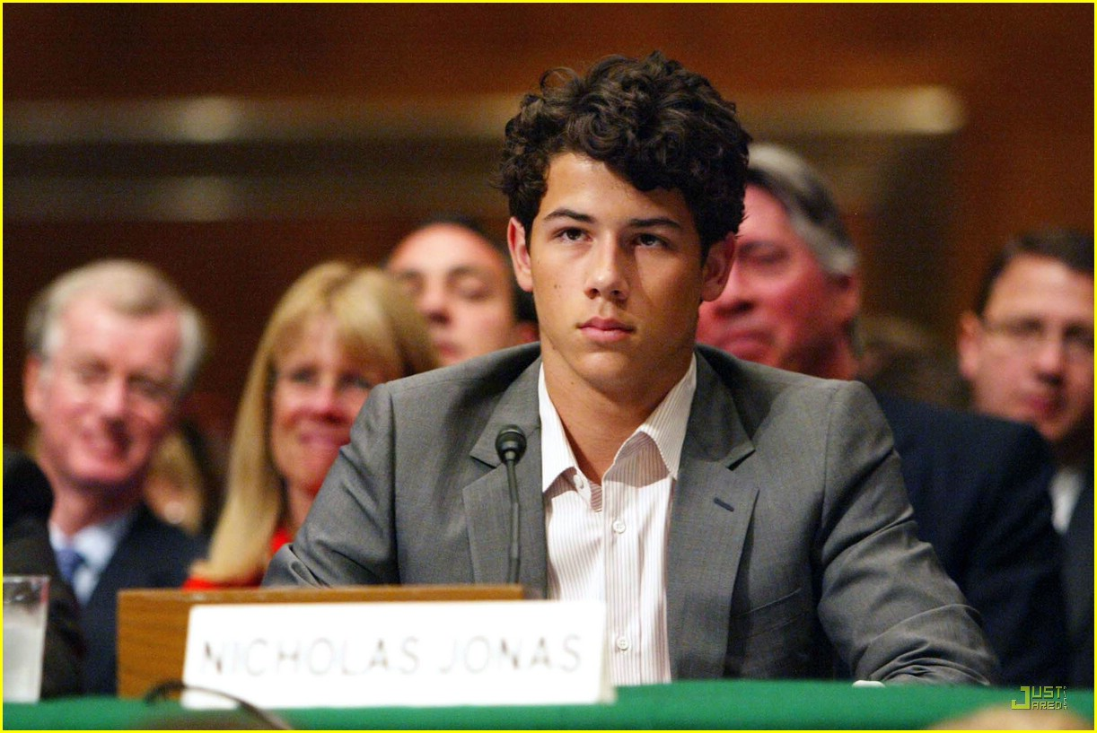 nick jonas debates diabetes 03