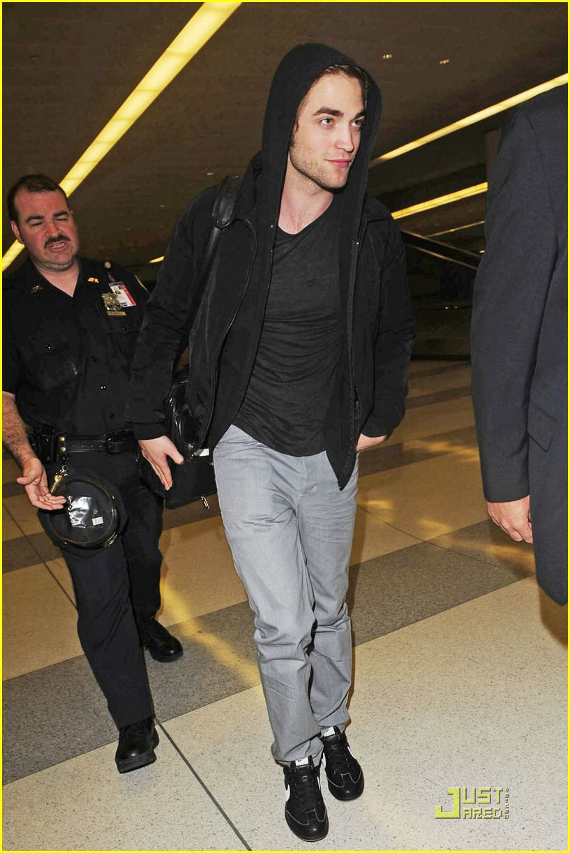 robert pattinson remember manhattan 08