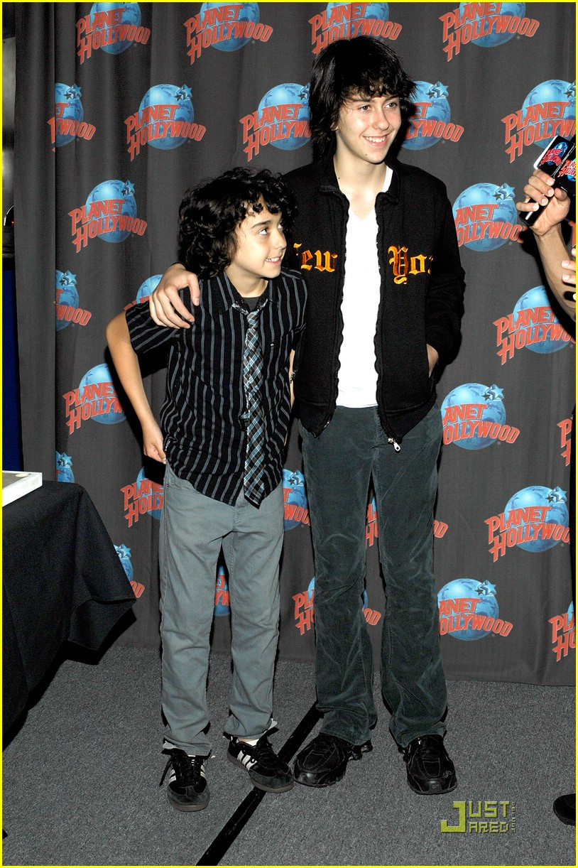 nat alex wolff planet hollywood 15