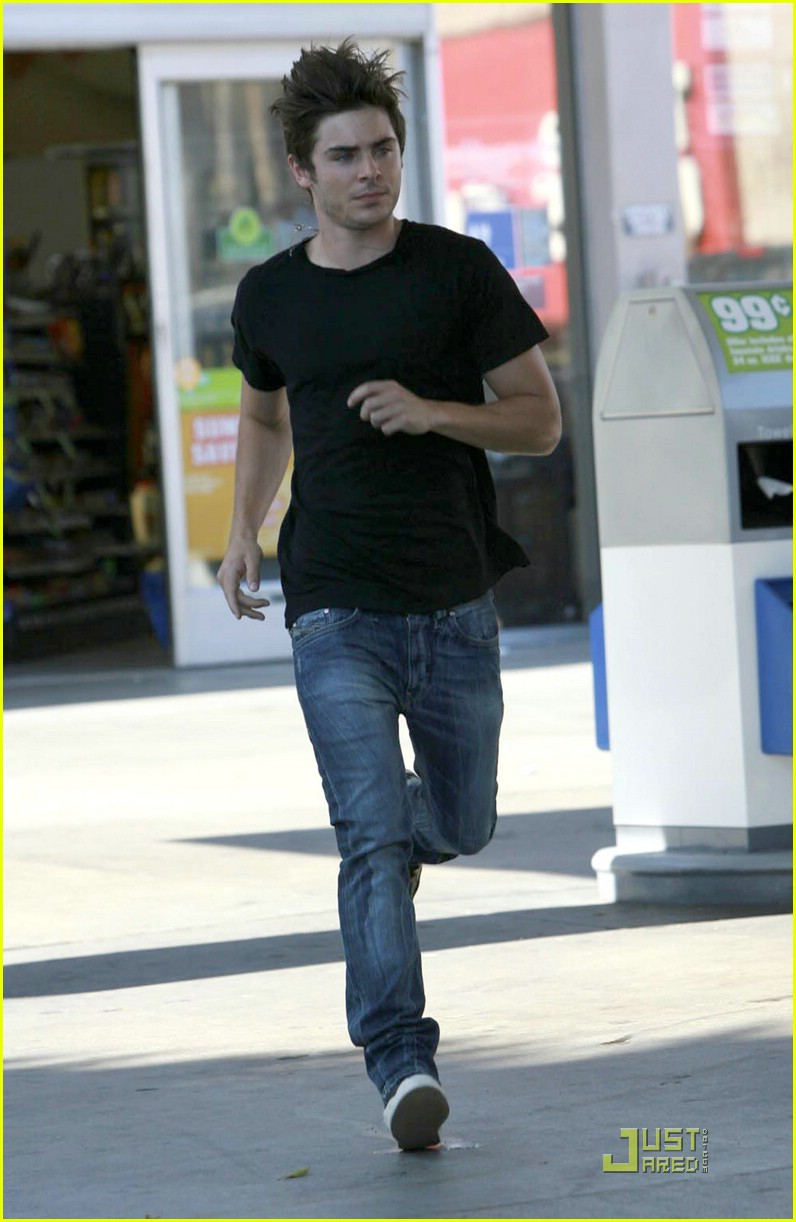 zac efron gas station 09