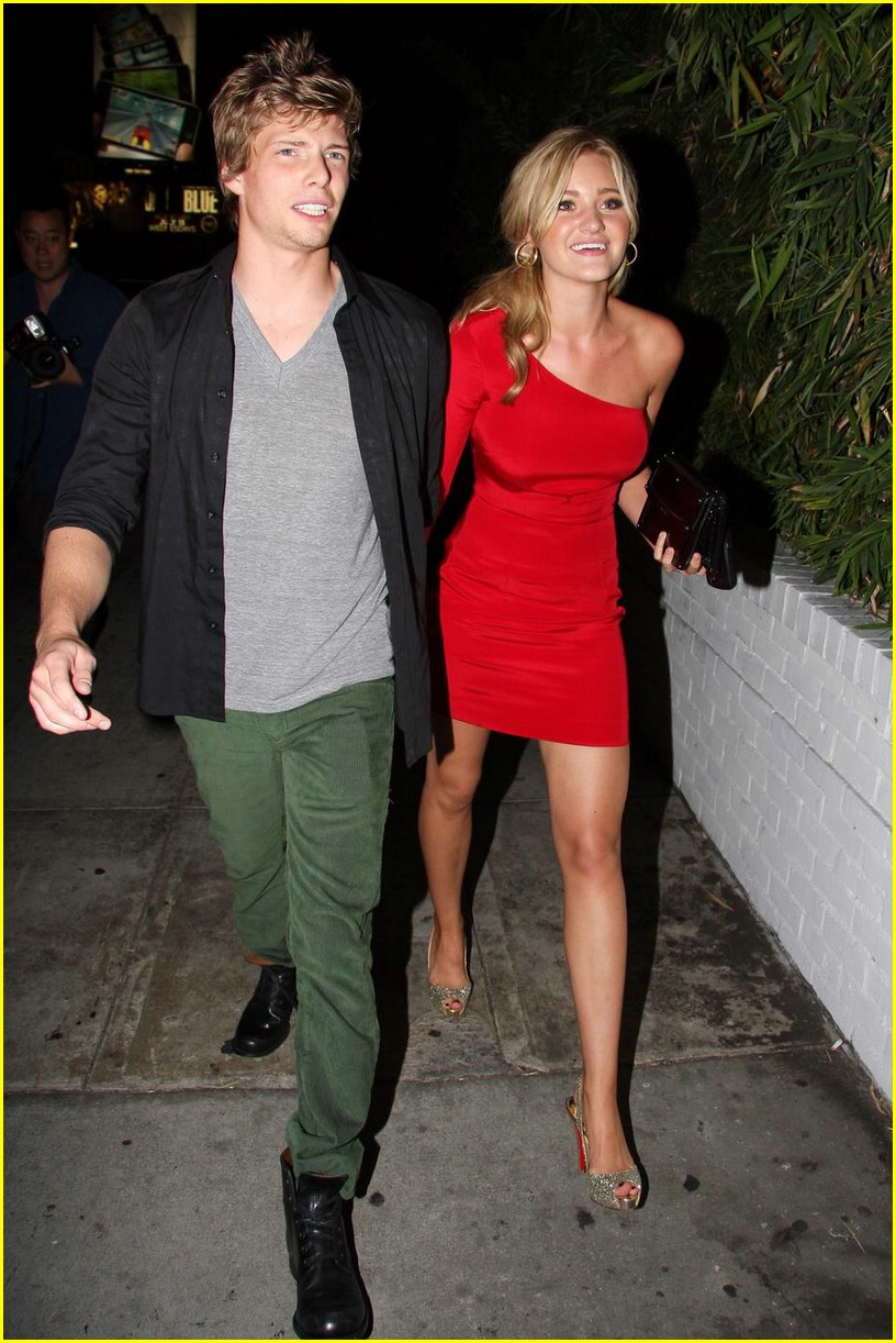 aj michalka hunter parrish dinner date 05