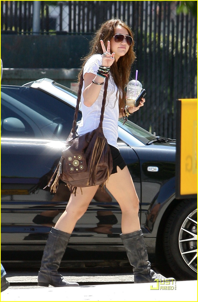 miley cyrus cool down coffee 11