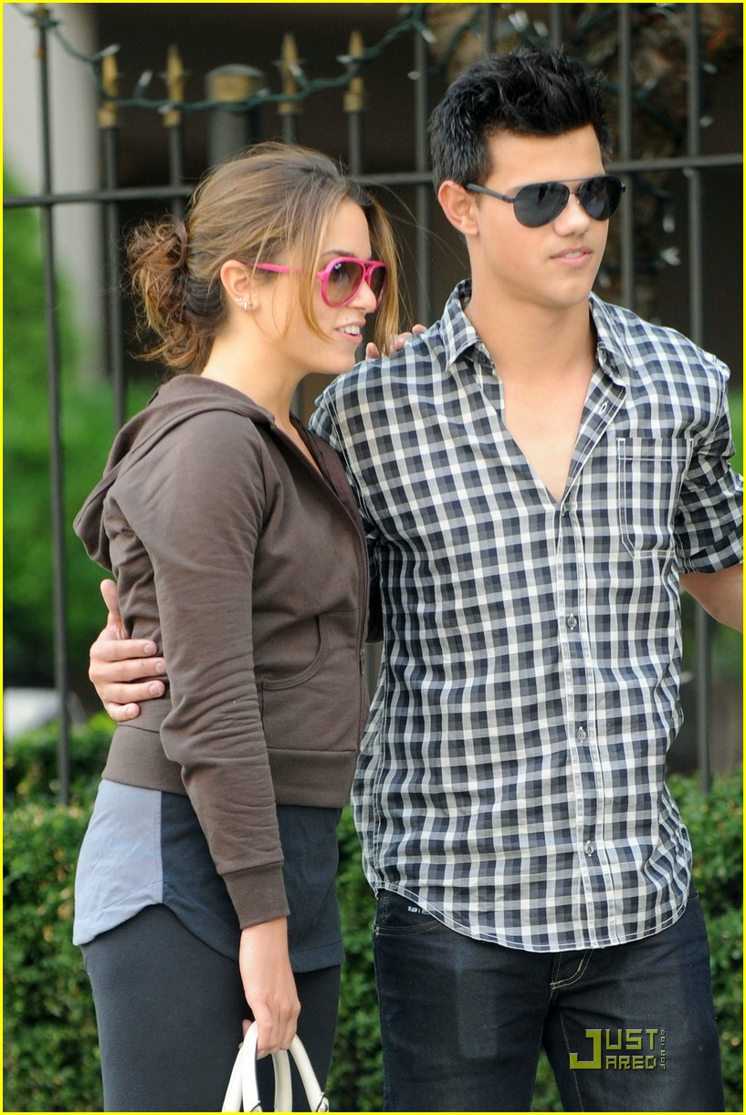 nikki reed taylor lautner say cheese 10