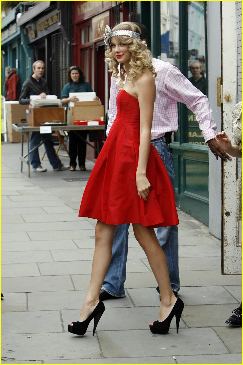 taylor swift coca cola cute 12