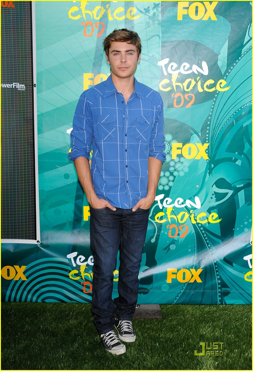 zac efron tca awards 01