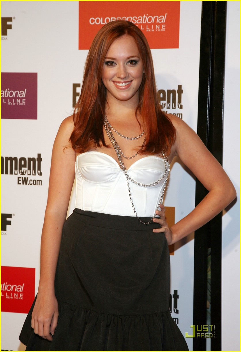 andrea bowen hot