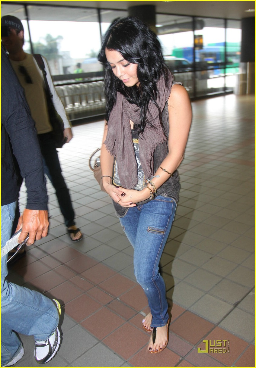 vanessa hudgens vancouver 16