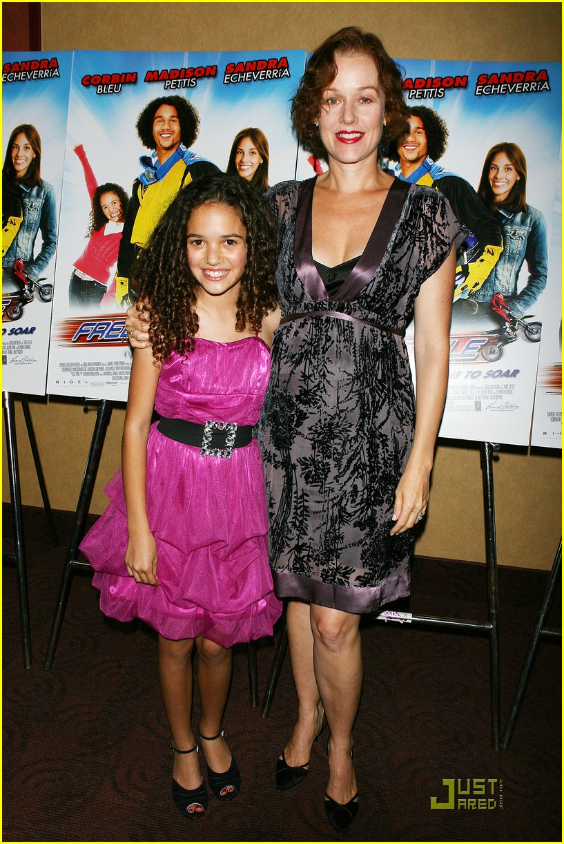 Madison pettis and her real family