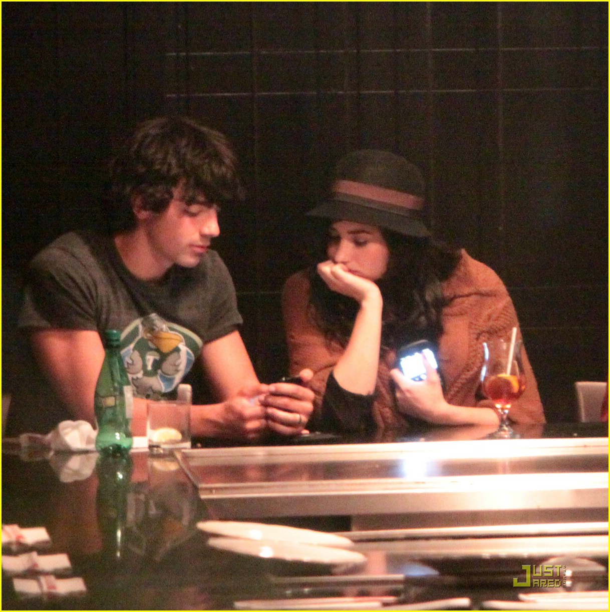 kevin joe jonas date demi danielle 10