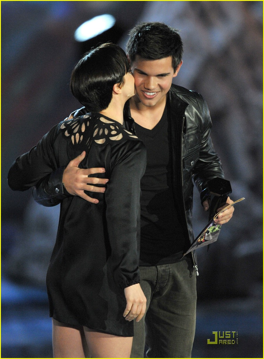 taylor lautner scream awards 01