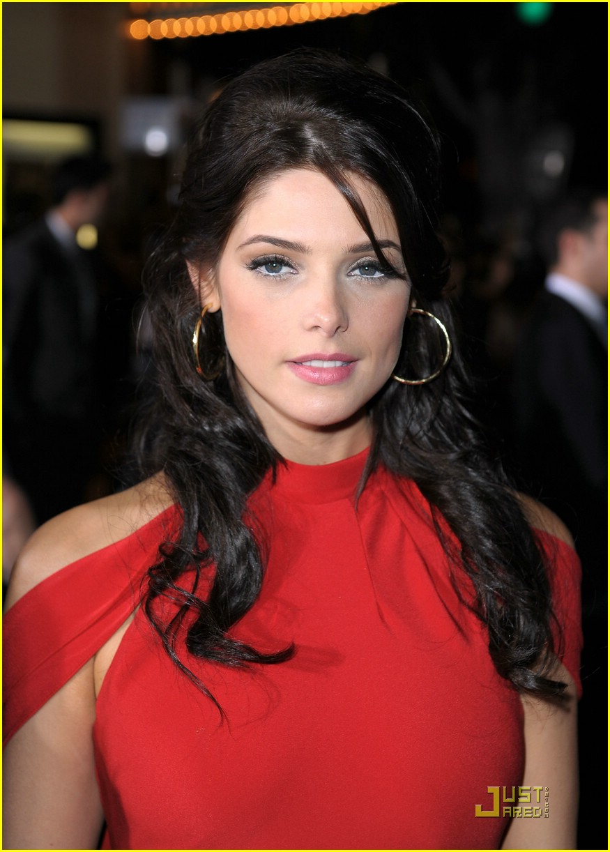 ashley greene lady red 08