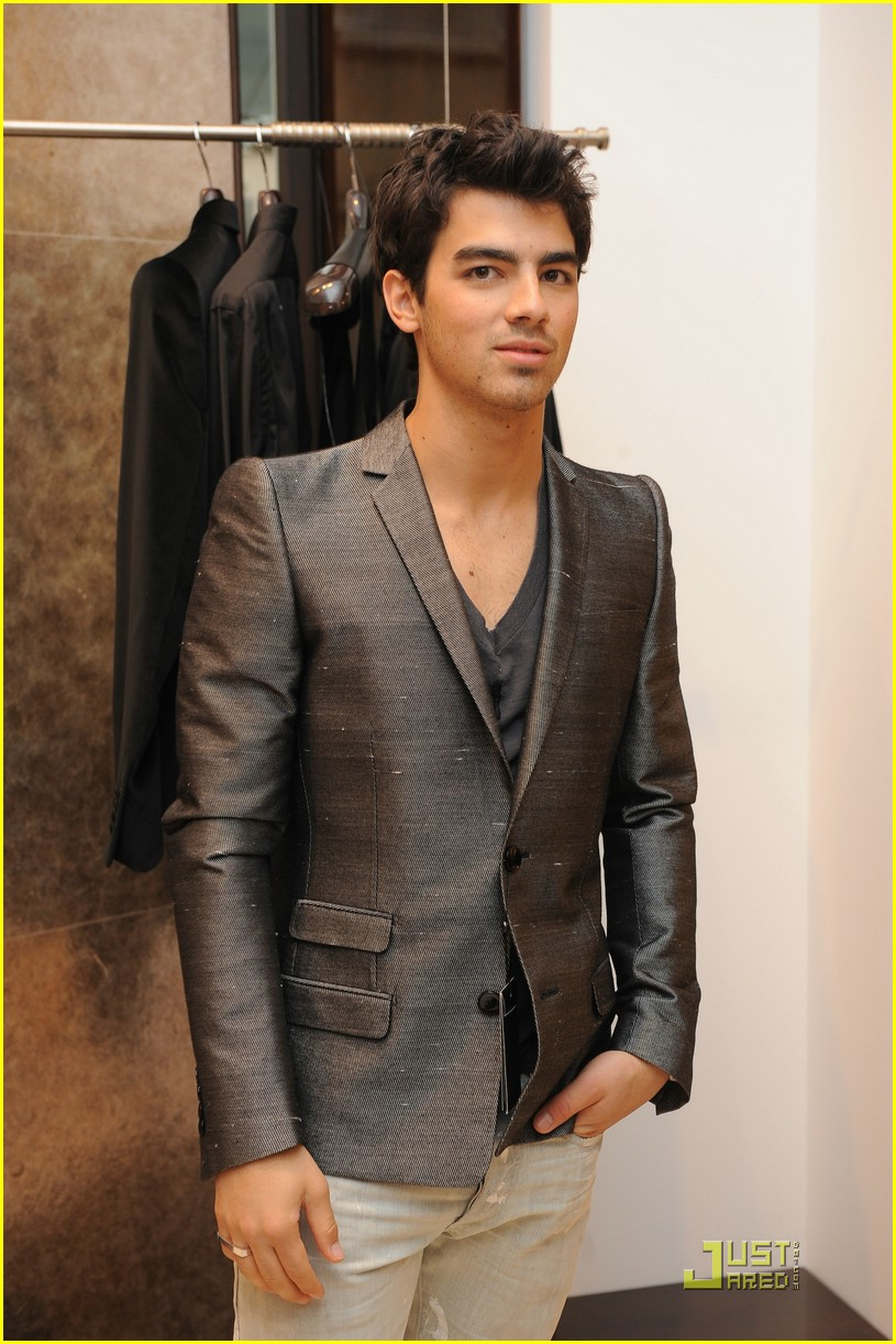 jonas brothers gianfranco ferre 03