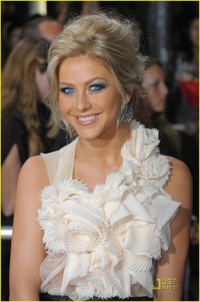 julianne hough new moon premiere 02