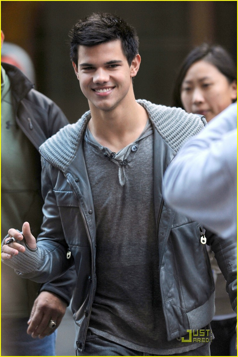 taylor lautner twi day 04