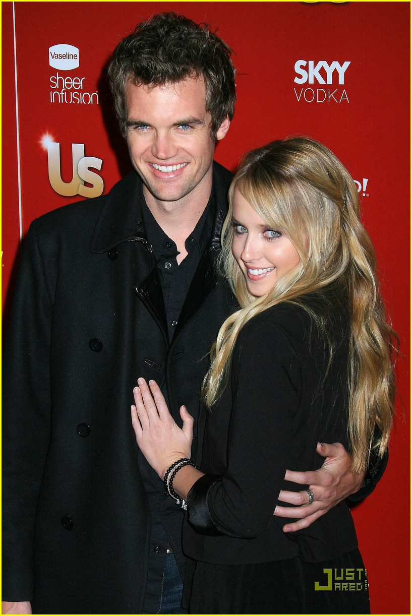megan park tyler hilton 03