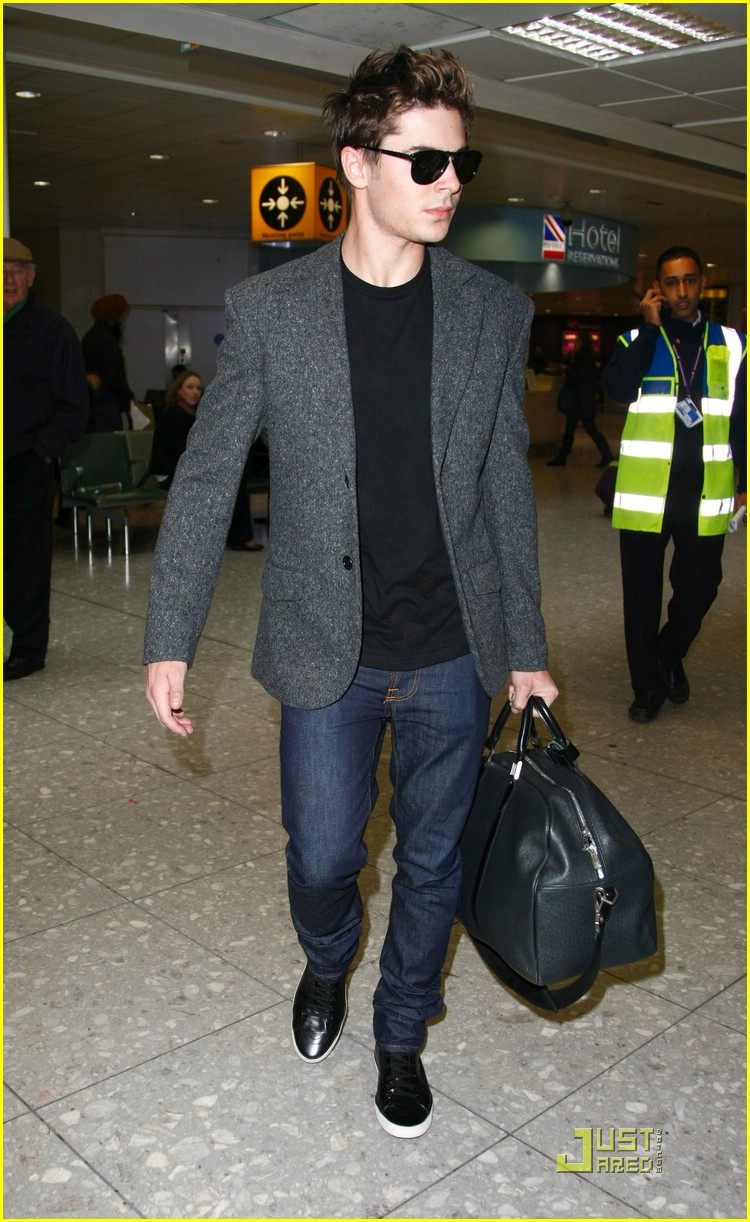 zac efron heathrow hot 03