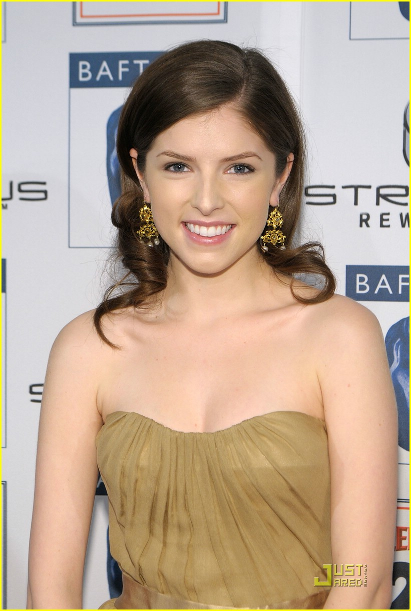 Full Sized Photo of an... Anna Kendrick
