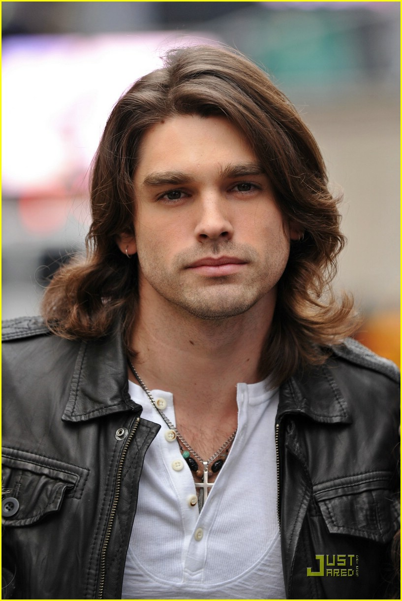 justin gaston miley cyrus heartbreaker 03