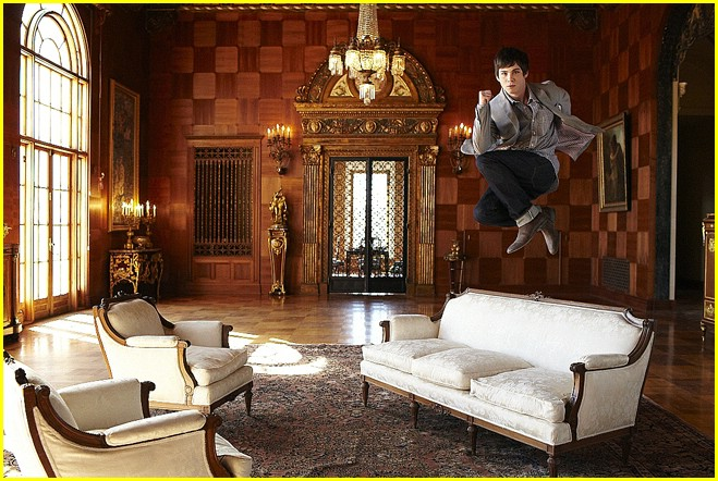 logan lerman movie sets best place 04