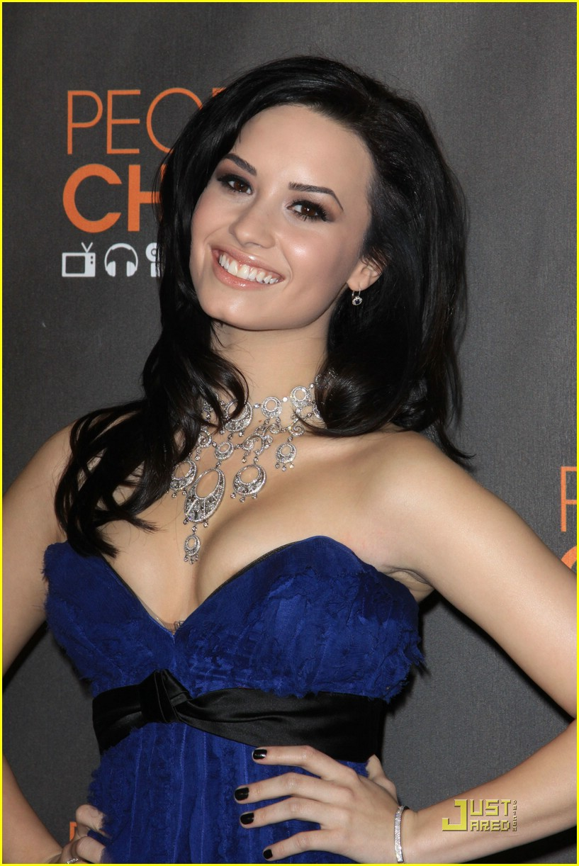 demi lovato people choice awards 12
