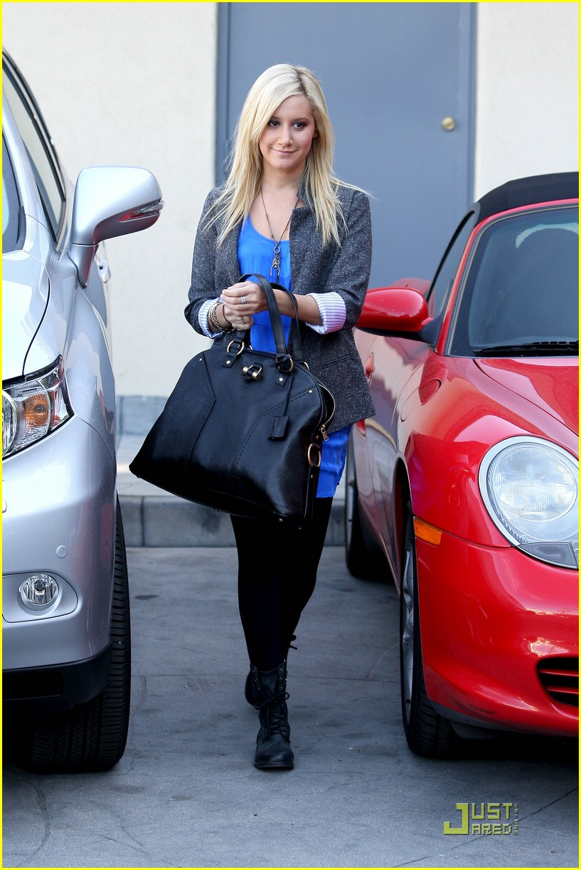ashley tisdale boyfriend blazer 14