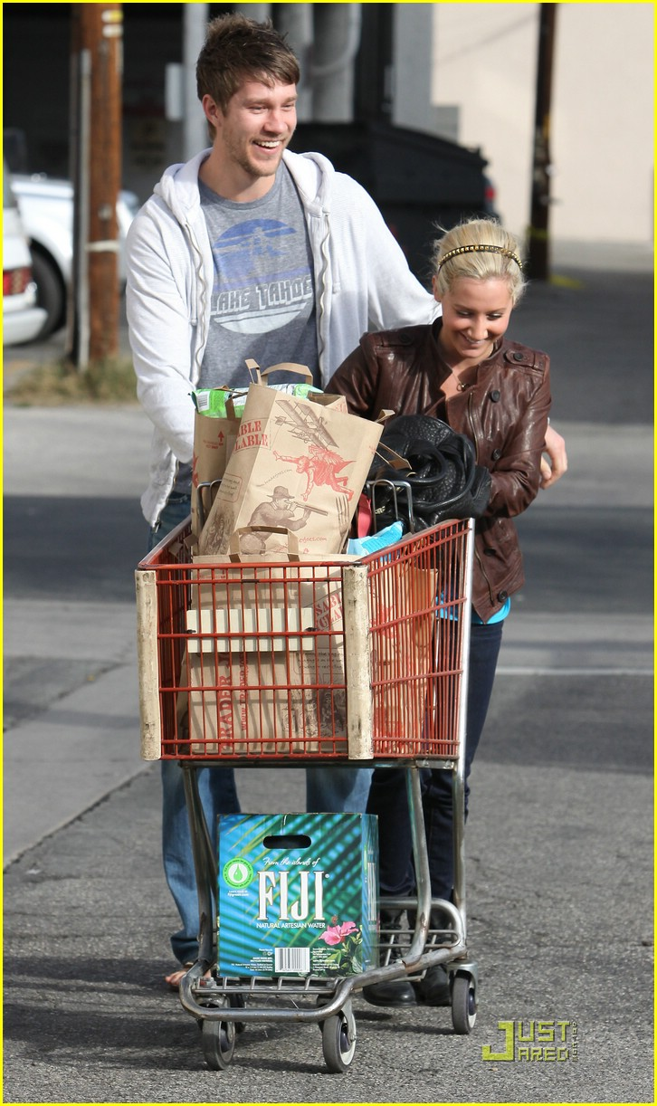 ashley tisdale scott speer trader joes 23